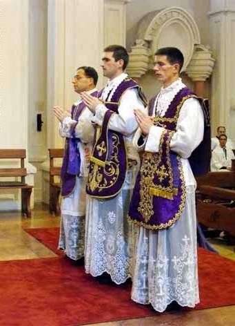 Sacerdotes Católicos
