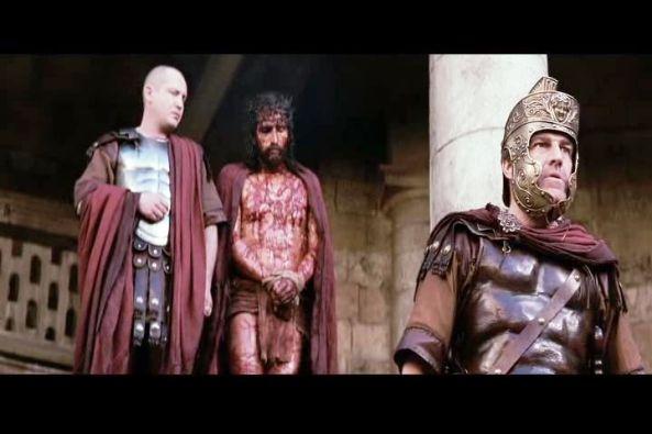 ¿Eres tú el Rey de los Judíos? Respondióle Jesús: Tú lo dices.