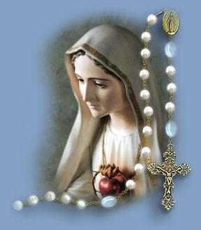 Desde que la Santísima Virgen ha dado una eficacia tan grande al Rosario,   no existe ningún problema material, espiritual, nacional o internacional que no pueda ser resuelto por el Santo Rosario y nuestros sacrificios. (Hna. Lucía de Fátima).