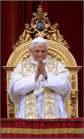 Su Santidad Benedicto XVI, Papa Número 265 de la Única Iglesia de Nuestro Señor Jesucristo, la Iglesia Católica Apostólica y Romana.