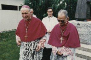 Monseñor Marcel Lefebvre y Monseñor Antonio de Castro Mayer