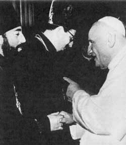 Juan XXIII con Vitali Borovoi y Vladímir Kotliarov, dos observadores de la Iglesia ortodoxa rusa que participaron en el Concilio Vaticano II
