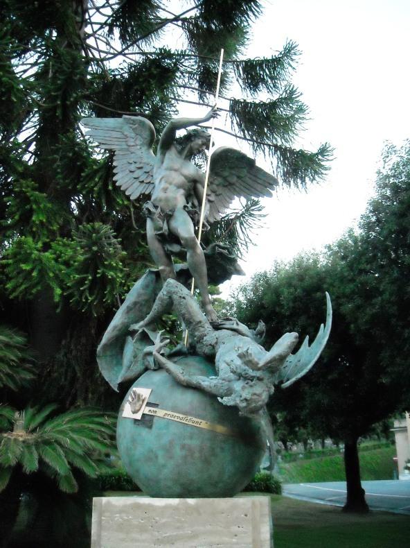 Monumento dedicado a San Miguel Arcángel-1