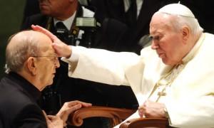 Juan Pablo II con su amigo, el criminal P. Maciel