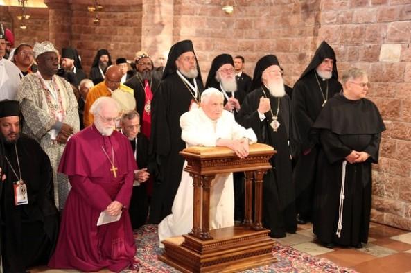 Cuando se habla de ecumenismo, lo primero que se encuentra actualmente es algo así