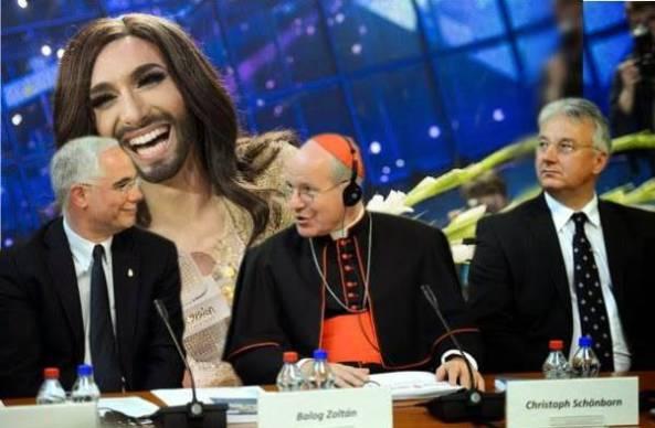 """El cardenal de Viena y presidente de la conferencia episcopal de Austria, Christoph Schönborn, ha felicitado a la """"drag queen"""" barbuda Conchita Wurst por su reciente triunfo en el festival de Eurovisión."""