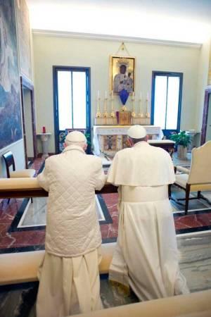 encuentro-Papa-Francisco-Benedicto-XVI-6