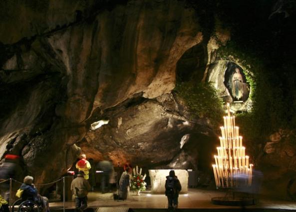 La Gruta de Lourdes: lugar de las apariciones de Nuestra Señora de la Inmaculada Concepción