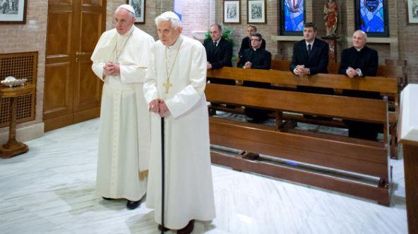 Papa-Francisco-Benedicto-XVI-Navidad_TINIMA20131223_0790_18