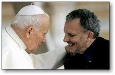 Juan Pablo II con Kiko Arguello.