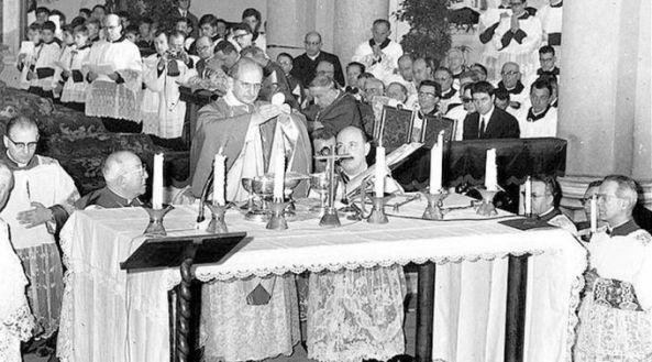 Misa de Pablo VI el 7 de marzo de 1965 en la Parroquia Ognissanti