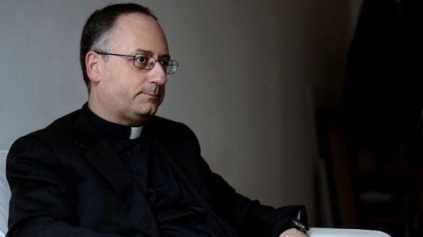 antonio-spadaro-directeur-de-la-revue-jesuite-civilta-cattolica-le-29-janvier-2014-a-rome_4719383-810x456