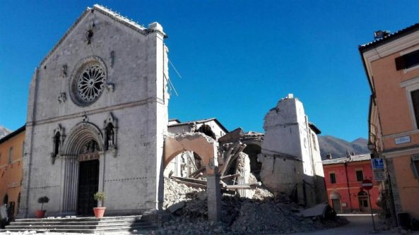 destroyed-basilica-norcia-810x455
